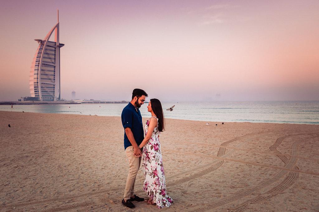 Dubai-Jumeirah-Beach-Couple-Shoot-Priyanka-Jay-0003.jpg